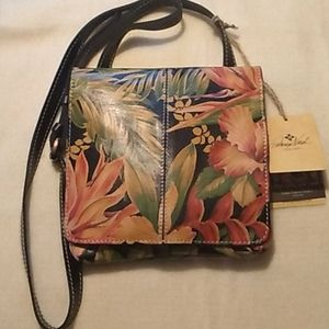 NWT Patricia Nash Floral Design Crossbody Bag